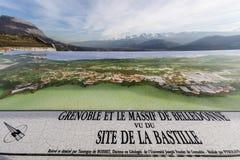 Grenoble, Francia, enero de 2019: Tabla de la orientación en el bastille del la fotos de archivo libres de regalías