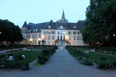 Grenoble på natten Arkivbilder