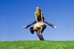 Grenouille de saut, amusement à l'extérieur Photos stock