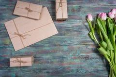 Grens van verse roze de lentetulpen Royalty-vrije Stock Foto