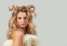 grensle Kvinna Aries Zodiac Sign Royaltyfria Foton
