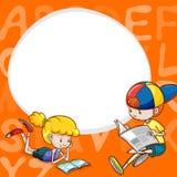 Grensmalplaatje met twee jonge geitjes die boeken lezen Stock Foto's