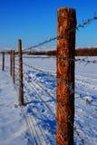 Grensposten langs de grens Stock Foto's