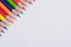 Grenze von bunten Bleistiftzeichenstiften Stockfoto
