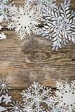 Grenze von Weihnachtsschneeflocken Stockfoto