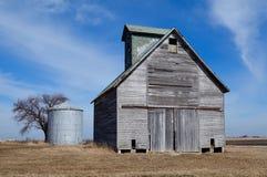Greppia e silo del cereale Fotografie Stock Libere da Diritti