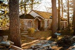 Greve Young Mushroom House, en lokal turist- dragning i Charlevoix Michigan Fotografering för Bildbyråer