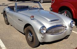Grey Austin Healey Sports Car antigo elegante Imagem de Stock Royalty Free