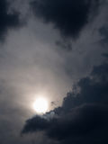 Grey Cloud et The Sun Photographie stock libre de droits