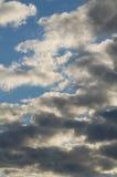 Grey Clouds en el cielo imagenes de archivo