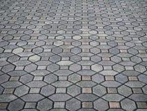 Grey Concrete Paving Blocks en el parque de la ciudad fotos de archivo