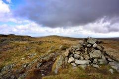 Grey Crag till den Harrop piken royaltyfri fotografi