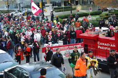 Grey Cup Fan March op de straten van Vancouver Stock Foto