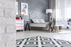Grey room with pattern carpet Royalty Free Stock Photos