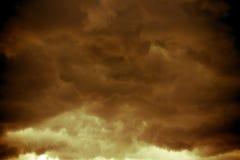 Grey Storm Clouds Filtered escuro fotografia de stock