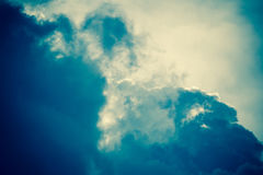 Grey Storm Clouds Filtered foncé Photos libres de droits