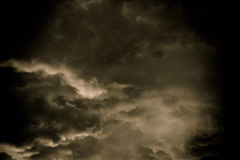 Grey Storm Clouds Filtered foncé photographie stock libre de droits