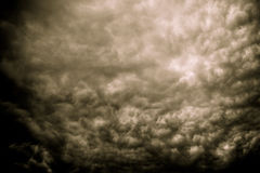 Grey Storm Clouds Filtered sinistre images libres de droits