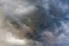 Grey Storm Clouds sinistre photographie stock libre de droits