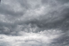 Grey Storm Clouds sinistre photographie stock libre de droits