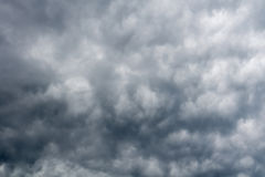 Grey Storm Clouds sinistre image stock