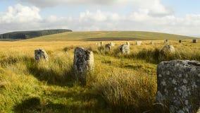 Grey Wethers consiste di un paio dei cerchi di pietra preistorici, situato a nord di Postbridge, Dartmoor, Devon, Regno Unito stock footage