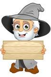 Grey Wizard idoso - guardando o sinal de madeira ilustração stock