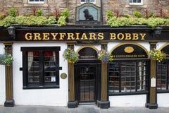 Greyfriars Bobby Pub på candlemakeren Row i Edinburgstadsmitt, arkivfoto