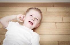 Gridando bambino in lacrime, sforzo e depressione Fotografie Stock