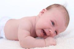 Gridando 2 mesi di neonata Immagini Stock
