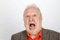 Gridare anziano della persona aggressivo immagine stock