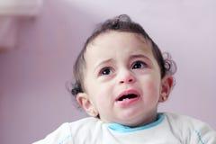 Gridare arabo della neonata fotografia stock