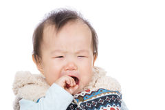 Gridare asiatico della neonata immagine stock