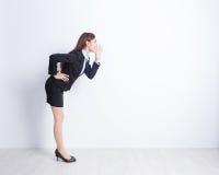 Gridare della donna di affari Fotografia Stock Libera da Diritti
