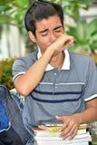 Gridare lo studente filippino del ragazzo immagini stock