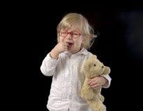 Gridare piccolo bambino in pigiama Fotografia Stock Libera da Diritti