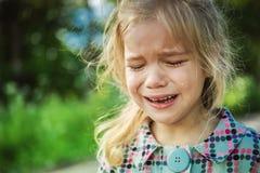 Gridare triste della bambina Fotografia Stock