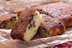Grieß-Kuchen mit Rosinen Lizenzfreie Stockfotografie