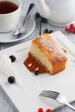 Grießkuchen mit Karamell Lizenzfreies Stockfoto