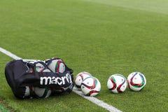 Grieche Superleague-Ball auf dem Feld Lizenzfreie Stockfotografie