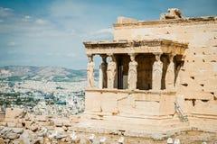 Griechenland, Athen im August 2016 die Akropolis von Athen, alte Zitadelle extrem gelegen auf einem Felsgelände über der Stadt vo stockbild