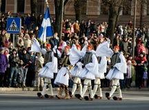 Griechische Farben-Abdeckung an der Militärparade Stockfotos