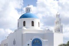 Griechische Kirche bei Santorini Stockfotos