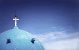 Griechische Kirchen-gewölbtes Dach Stockfoto