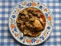 Griechische Nahrung Grüne Bohnen in der Tomatensauce Stockfoto