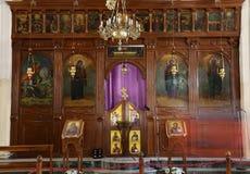 Griechische orthodoxe Innenbasilika von St George in der Stadt Madaba, Jordanien Stockfotografie