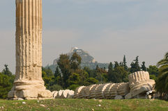 Griechische Spalten, Tempel des olympischen Zeus, Athen Stockfotografie