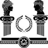 Griechische Spalten und menschliche Köpfe Lizenzfreie Stockfotos