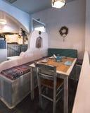 Griechischer Innenraum eines lokalen taverna/des Restaurants lizenzfreie stockfotografie