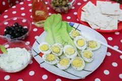 Griechischer Salat lokalisiert auf einem weißen Hintergrund Lizenzfreies Stockfoto